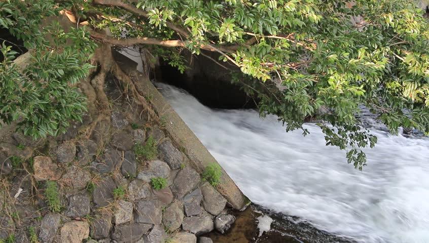Header of drainage