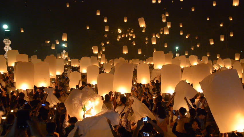 CHIANGMAI THAILAND OCTOBER 25 :Unidentified Tourists visit the day of Yeepeng Sansai Floating Lantern Ceremony to pay Homage to the Lord Buddha and Release lantern to the sky on October 25 , 2014.