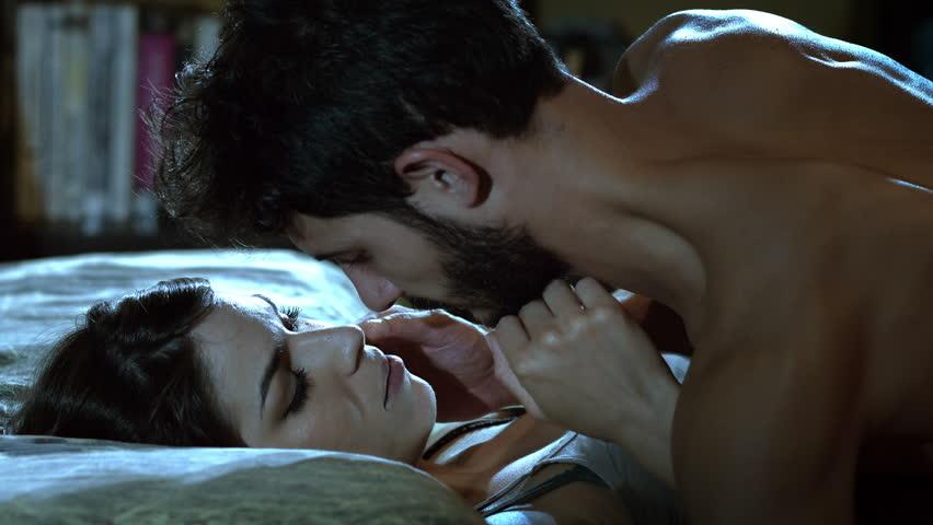 Поцелуй и ласки видео секс