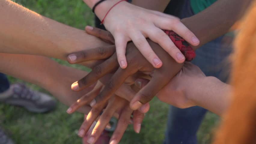 Cara Agar Anak Berpikiran Terbuka Terhadap Perbedaan