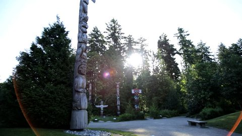 Vancouver Indian Totem Pole Thunderbird Park sculpture Indigenous Culture Hand carving tribal British Columbia Canada