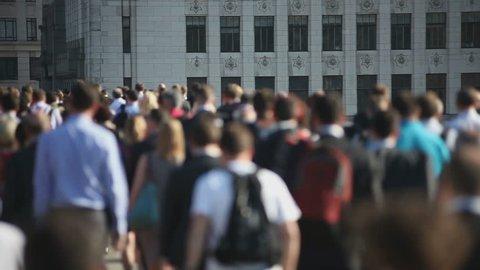 Hi-mo large crowd of pedestrians walk over London Bridge 01